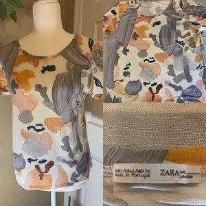 Zara tee/t-shirt with design size L